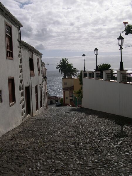 Archivo:Typical view Village La Palma.jpg